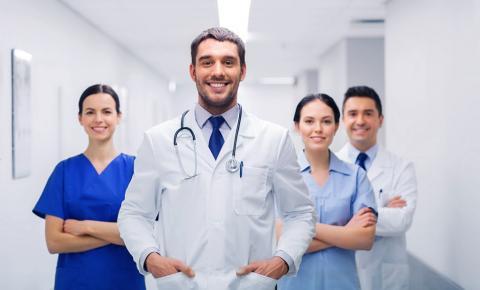 Saúde criou mais de 123 mil postos de trabalho com carteira assinada no setor privado